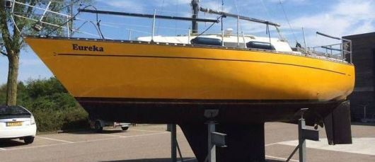 Парусно-моторная яхта «Эврика»
