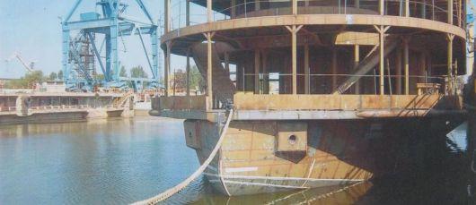 Корпус речного пассажирского судна